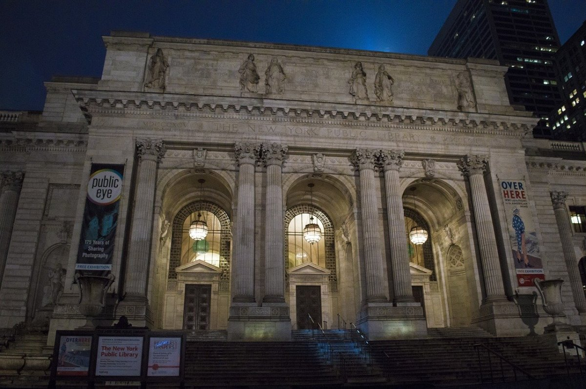entrance to the New York Public Library